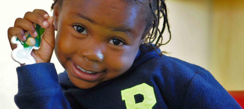 4-vuotias Rachael rakastaa päiväkotia - Kauneimmat Joululaulut